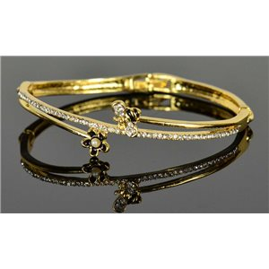 Gold colored metal bracelet Chic Collection set with Rhinestones D55mm clip clasp 76654